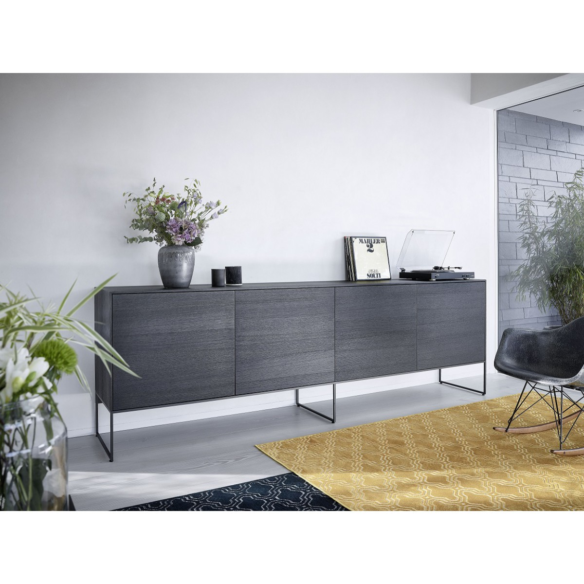 dressoir-4drs-int22-220cm-Intense-Mintjens-eiken-zwart-miltonhouse