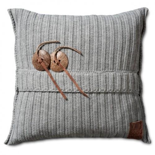 Knit Factory kussen Aran 50 x 50