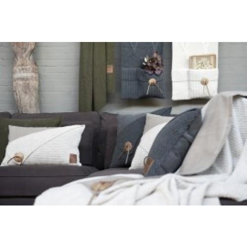 Knit Factory kussen Gerstekorrel 60 x 40